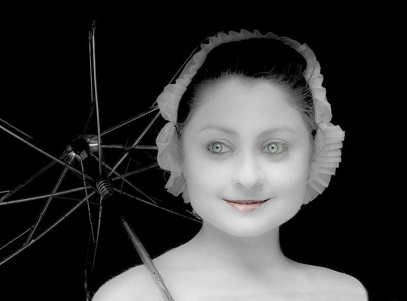 Girl in White-Face, Edinburgh Fringe