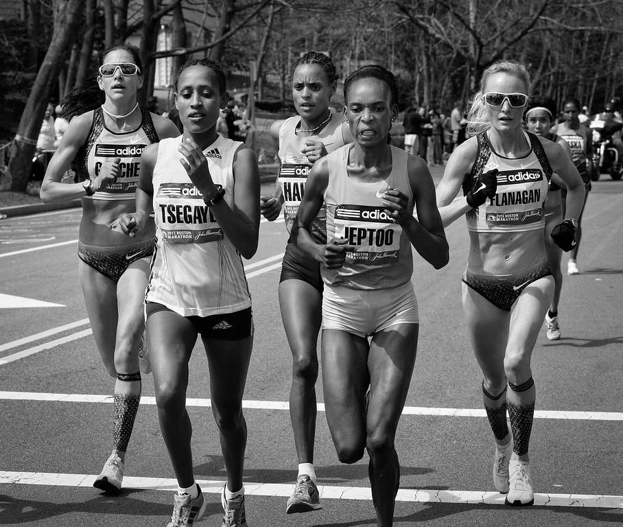 Boston Marathon Women Frontrunners