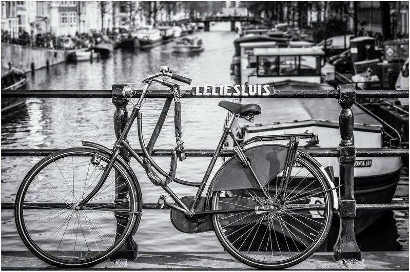 Bike on Leliesluis Street