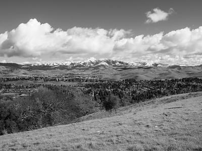Rare SF Bay Area Snow. San Ramon. Redtail Hawk Trail. Bishop Ranch Regional Preserve - San Ramon, CA, USA