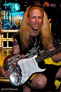 Sweet guitar!!!
