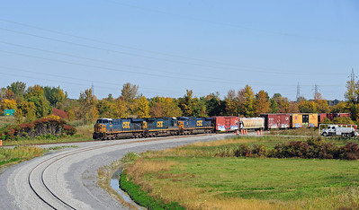 CN 327/CSX Q 620, Valleyfield, QC, September 30 2013