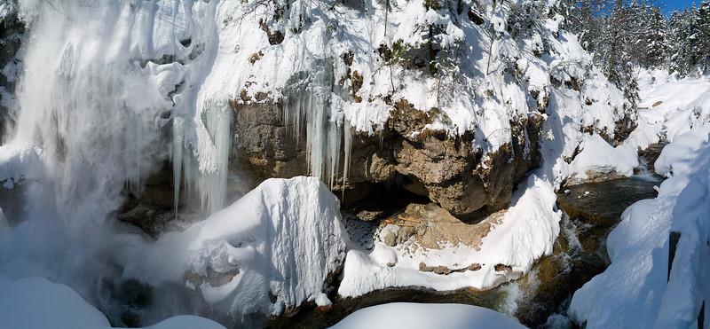 Torrente Uqua -Valle di Ugovizza - Alpi Carniche   Foto Claudio Costerni n. 010304-040419