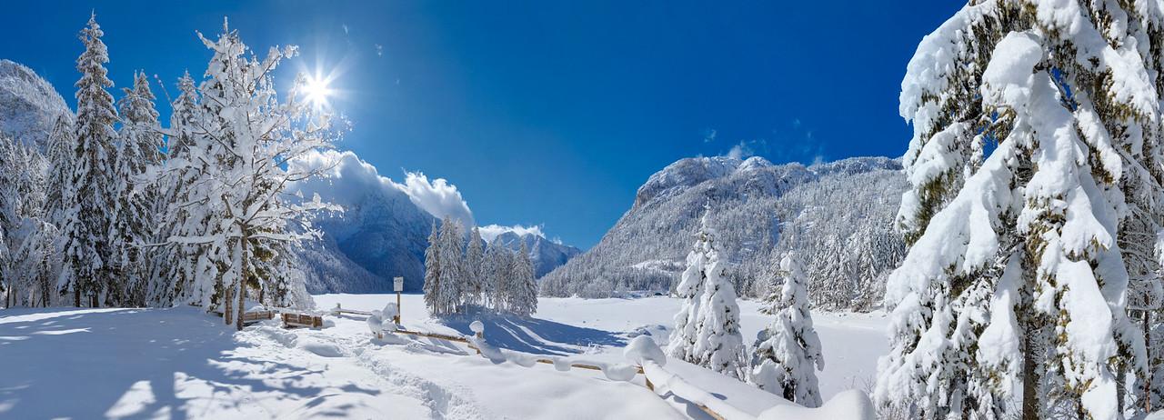 Lago di Raibl o del Predil - Val Rio del Lago - Alpi Giulie  Foto Claudio Costerni n. 210210-934672
