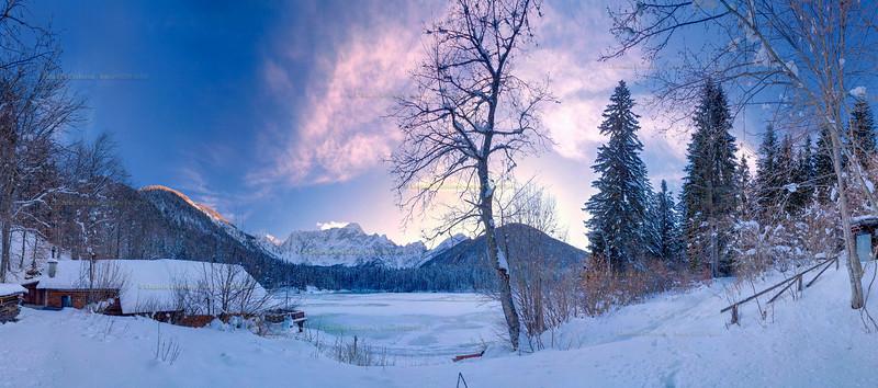 Primo lago di Fusine - Alpi Giulie  Foto Claudio Costerni n. 010210-980341