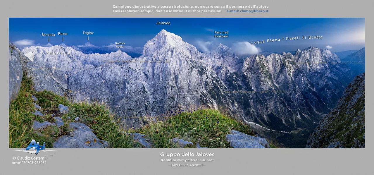 Gruppo dello Jalovec dopo il tramonto Alpi Giulie  Foto Claudio Costerni n.270703-233037