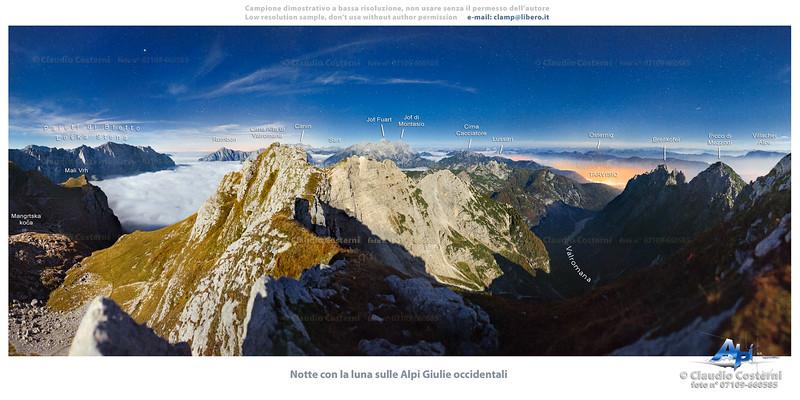 Notte con la luna sulle Alpi Giulie occidentali dalle Cime Verdi (tra il Mangart e la Cima Alta di Valromana)  Foto Claudio Costerni n.071009-660585