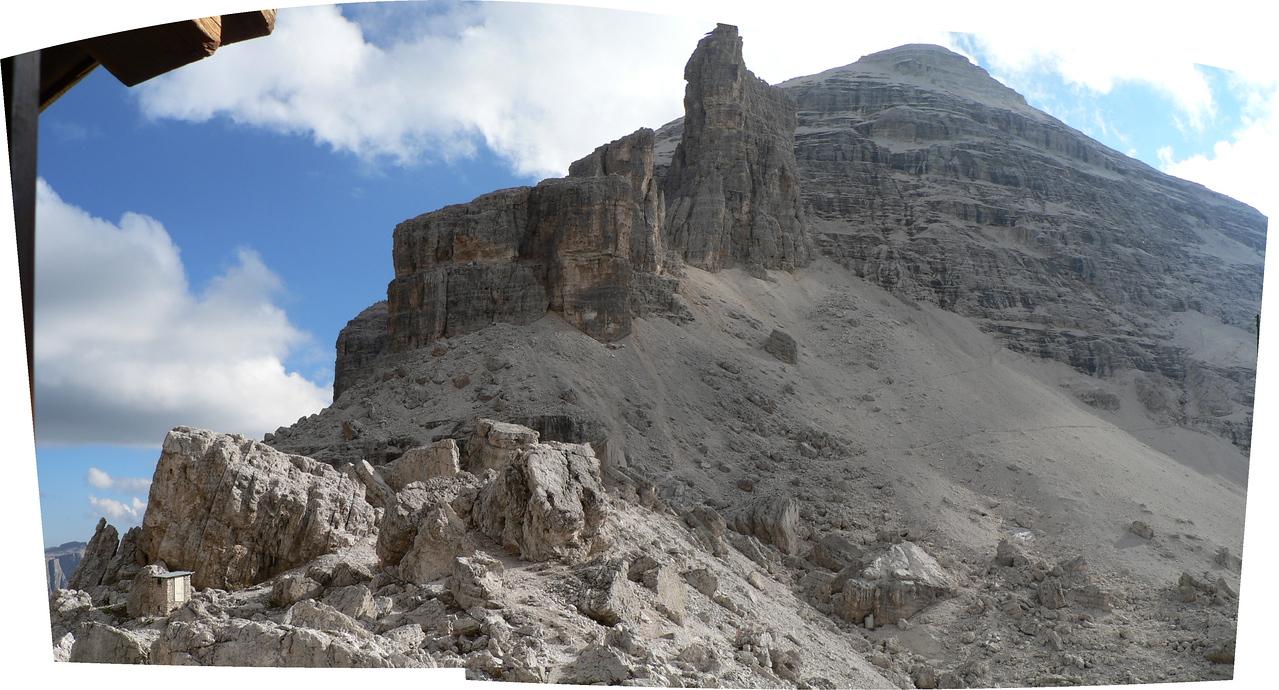 La Tofana di Rozes vista dal rifugio Giussani