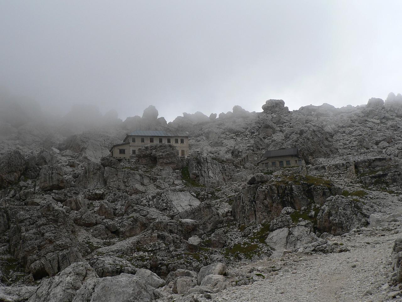 il rifugio Cantore (chiuso)
