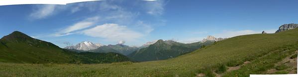 Da passo Giau verso il monte Pore, visibile a sinistra