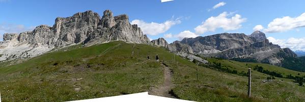 Andando sul Col di Lana: verso il passo Falzarego