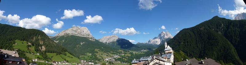 Val Fiorentina. Dall'albergo posta di Colle S. Lucia