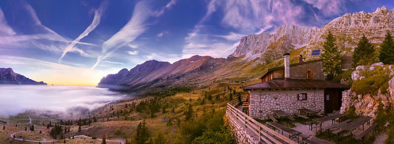 Tramonto con mari di nubi dal Montasio  - foto n° 24913-724599#DX