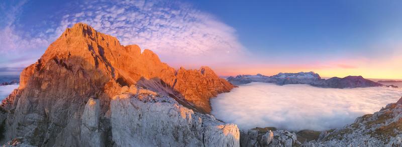 Montasio rosso tramonto con mare di nubi - foto n° 271001-562236