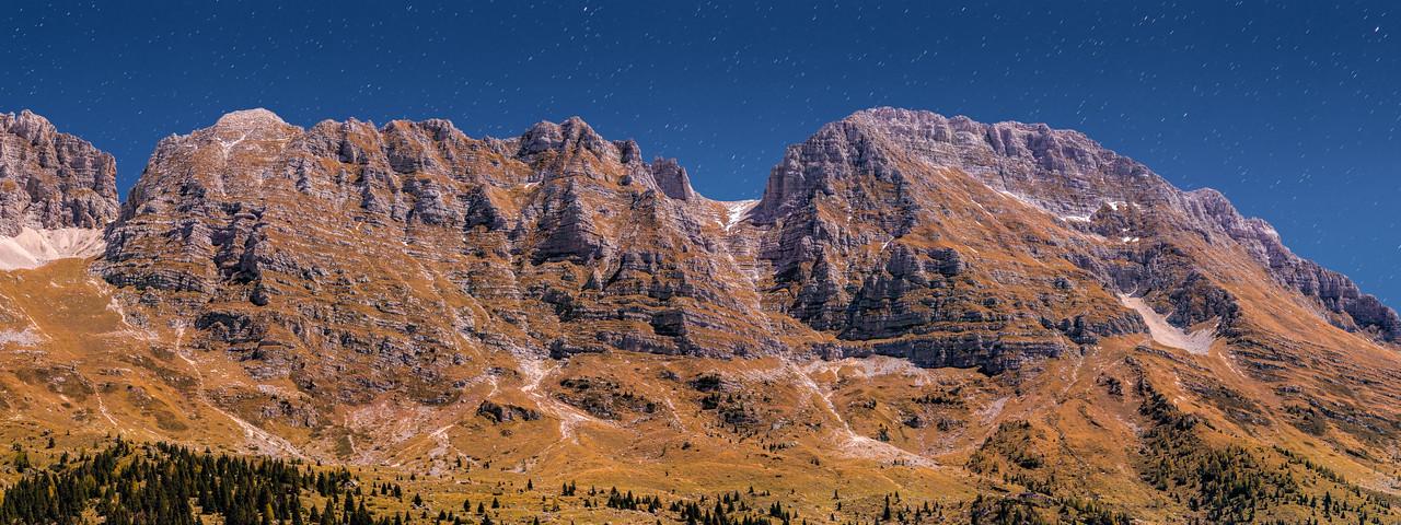 Gruppo del Montasio, notturno con stelle - foto n° 181011-634827