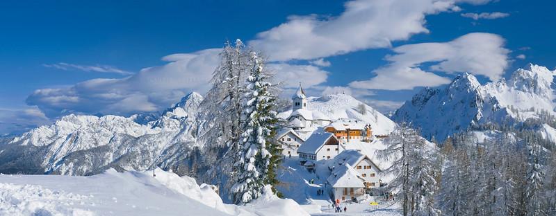 Alpi Giulie<br /> Gruppo Ponze-Mangart, Monte e borgo del Lussari, Cima Cacciatore 070309-445957