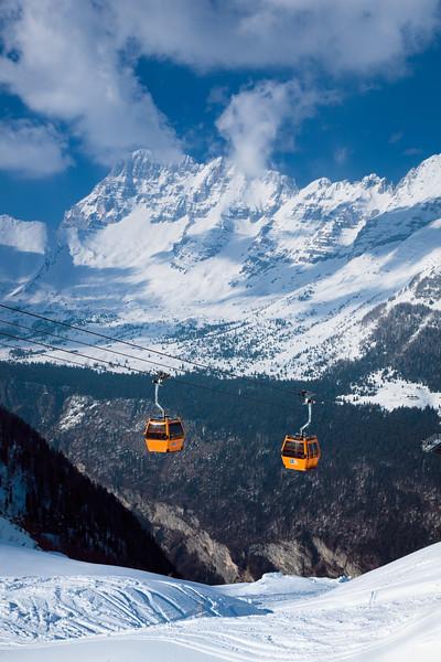 Alpi Giulie - Italia - Funivia del Kanin - Sella Nevea - vista sul Montasio