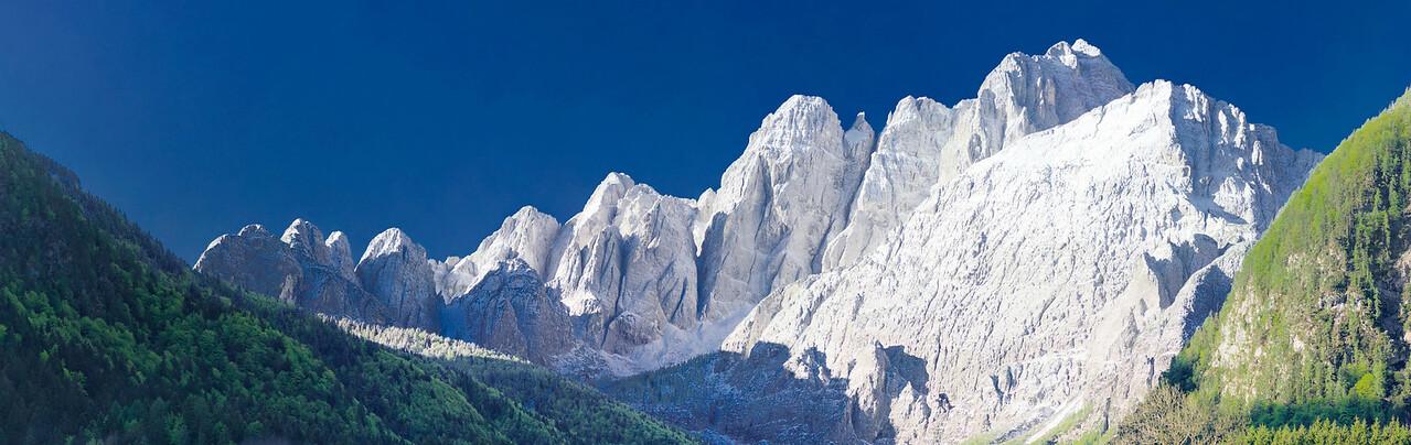 Valbruna, alba con brina - foto n° 170412-58885992