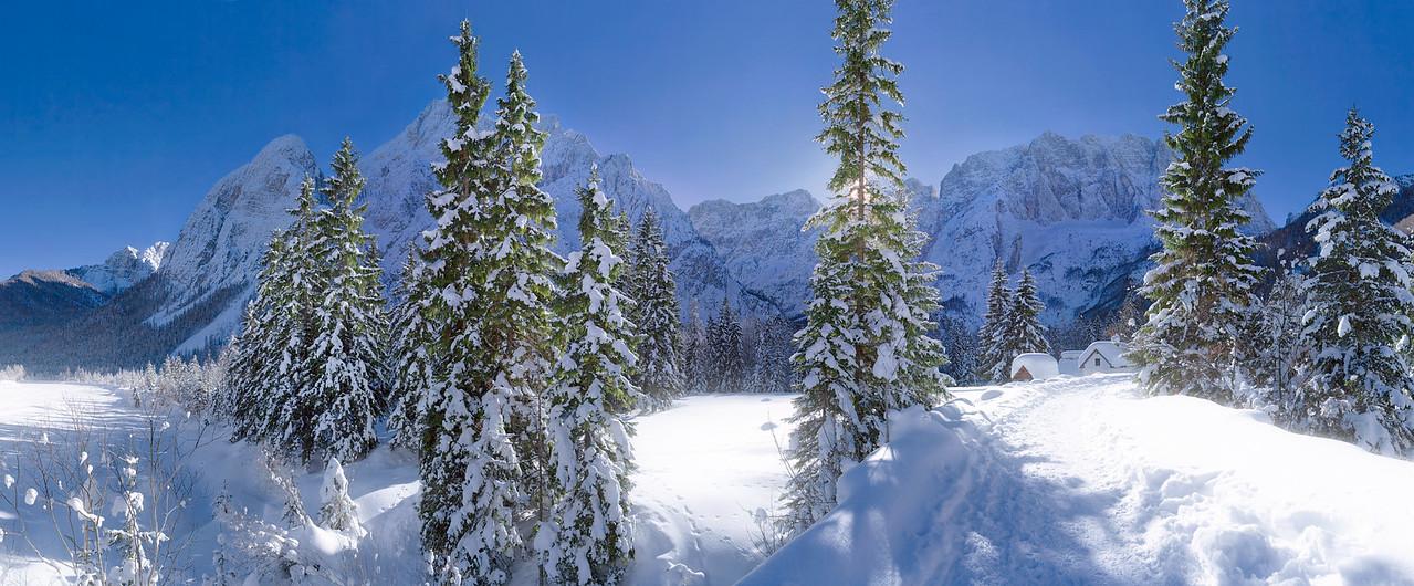 Val Saisera - Gruppo del Montasio e dello Jof Fuart - foto n°  110106-800313 glow