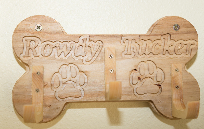 #600 (Sample) Dog Bone leash holder: ($40)