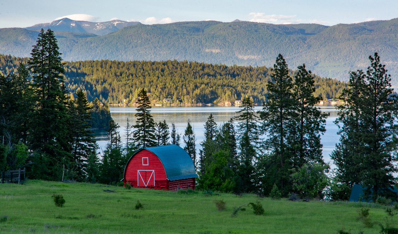 Barn on Flathead Lake