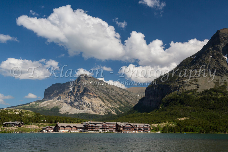 Swiftcurrent Lake and the Many Glacier Hotel in Glacier National Park, Montana, USA.