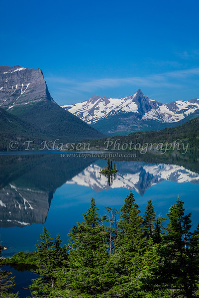St. Mary Lake and Wild Goose Island in Glacier National Park, Montana, USA.
