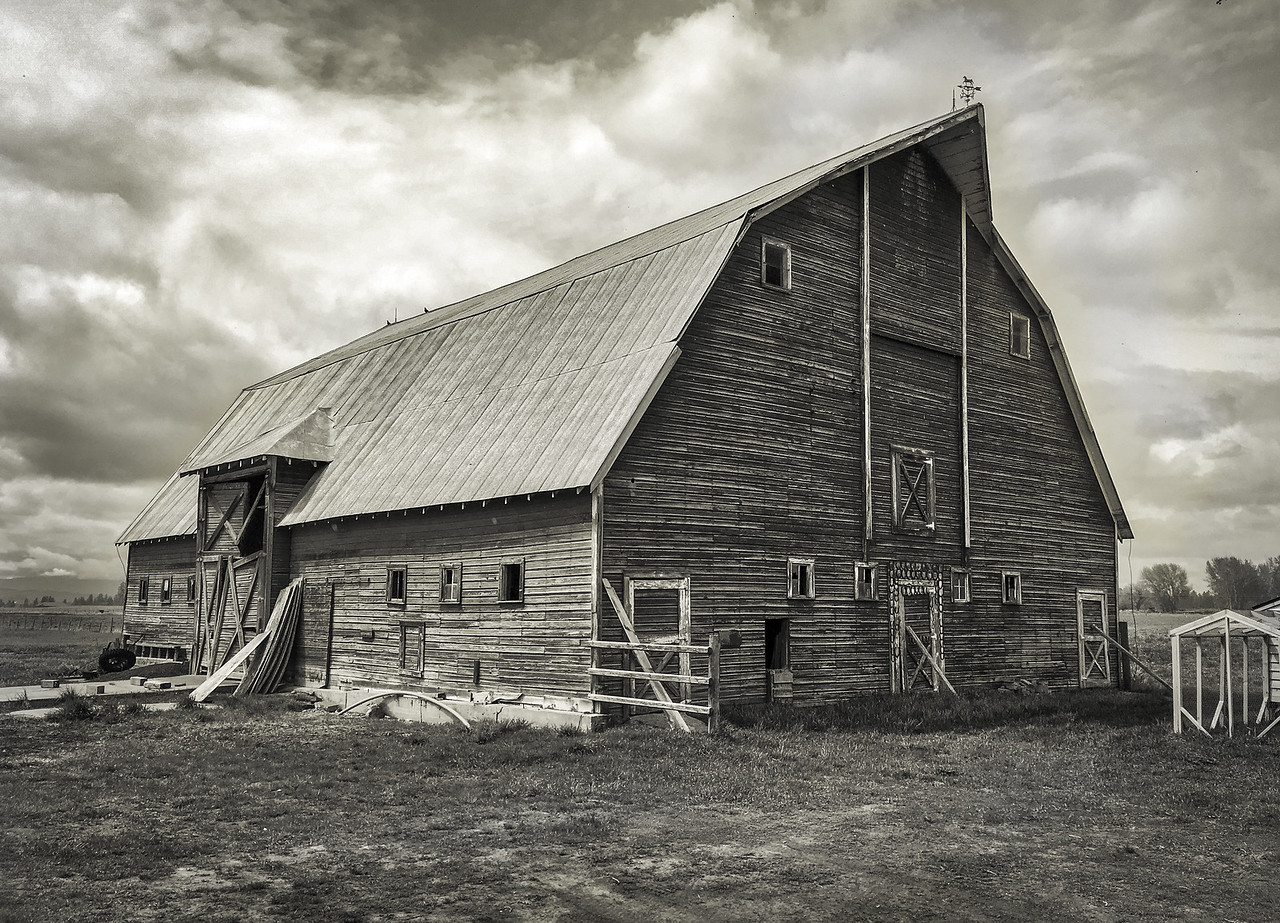 Old Barn in Mission Valley, Montana