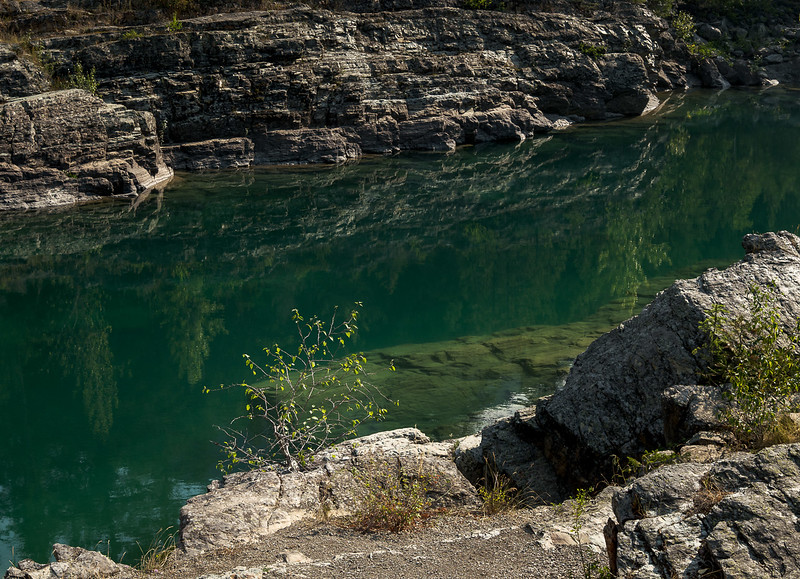 Color of Glacier Water
