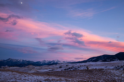Sunset over the Absaroka Mountains and Gallatin Range near Livingston, Montana.