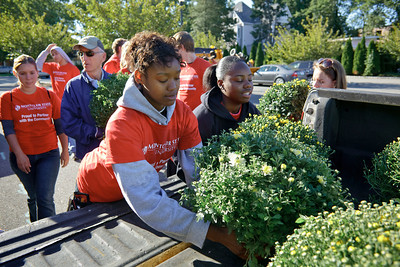 2010, National Day of Service. Montclair State University Students Volunteering in Little Falls