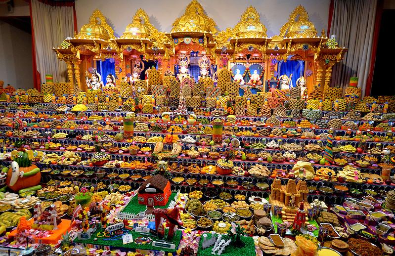 10 21 17 Baps Shri Swaminarayan Mandir Celebrates Hindu