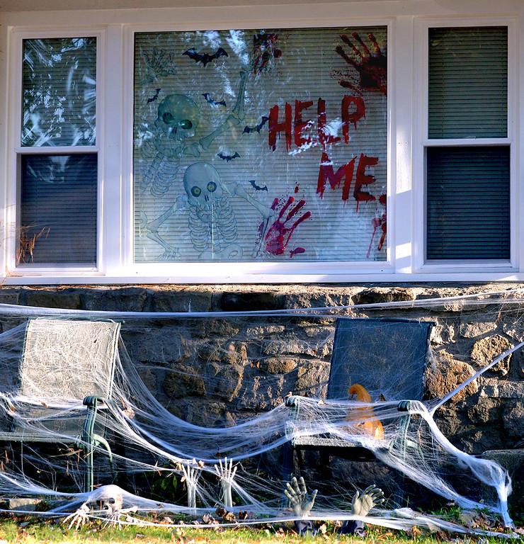 . A spooky house on Woodlawn Dr., Towamencin Oct 27, 2017. (Bob Raines--Digital First Media)