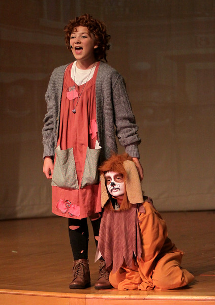 "Young Starrs Theater Company stages ""Annie, Jr"""