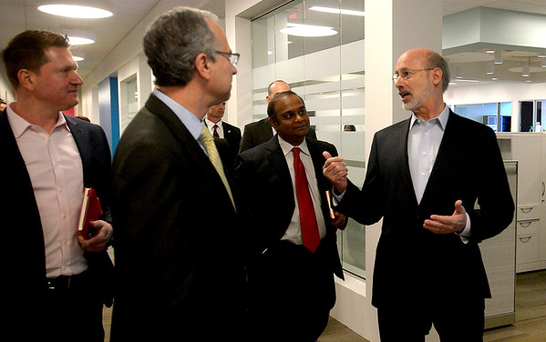 01.04.16 Gov. Tom Wolf tours  PRA Health Sciences, Blue Bell