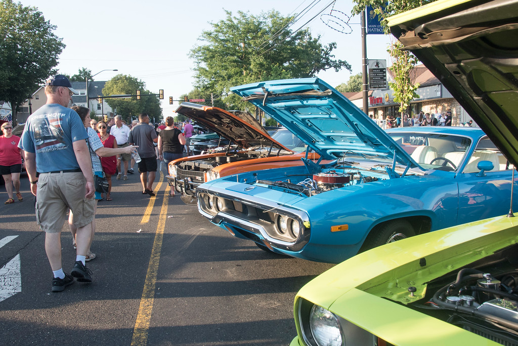 Moonlight Memories Car Show Rolls Into Hatboro - Classic car show york