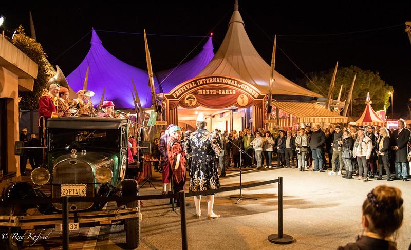 Gamle traditioner og nye toner mødes ved indgangen til Monte-Carlo-festivalen
