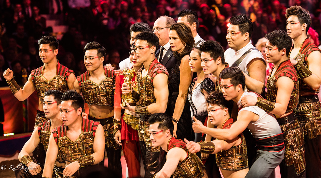 Også en guldklovn til Shanghai-truppens unge akrobater