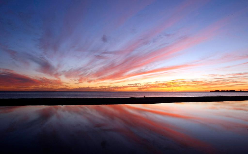 . Sunset at Seacliff State Beach in Aptos on Saturday, Jan. 3, 2008.  (Vern Fisher - Monterey Herald)