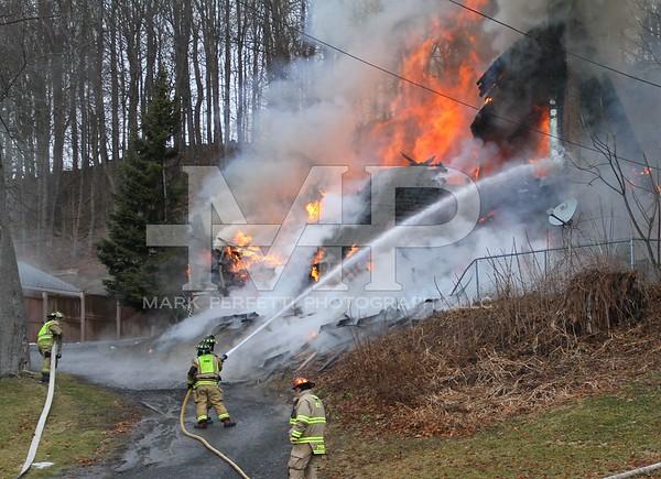 69 E main St Fort Johnson Structure Fire 1-10-2020