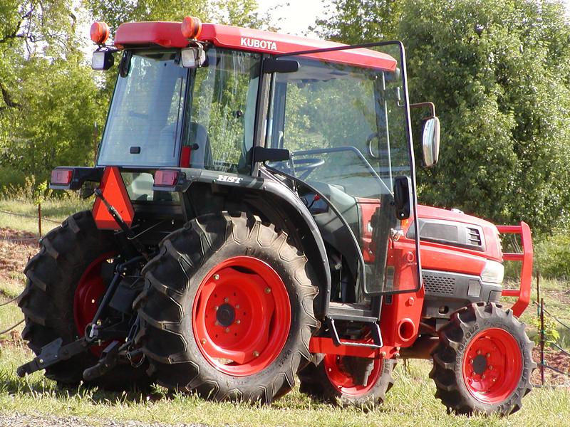 Vineyard tractor, it fits between rows of vines.