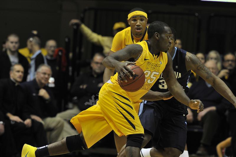WVU Men's Basketball vs Villanova action at the WVU Coliseum December 2011(WVU Photo/Brian Persinger)