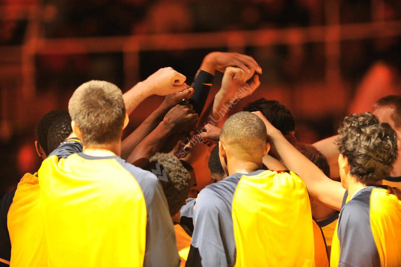 27976 WVU Men's Basketball vs Northern Kentucky game action WVU Coliseum evansdale campus, November 2011. (WVU Photo/Greg Ellis)