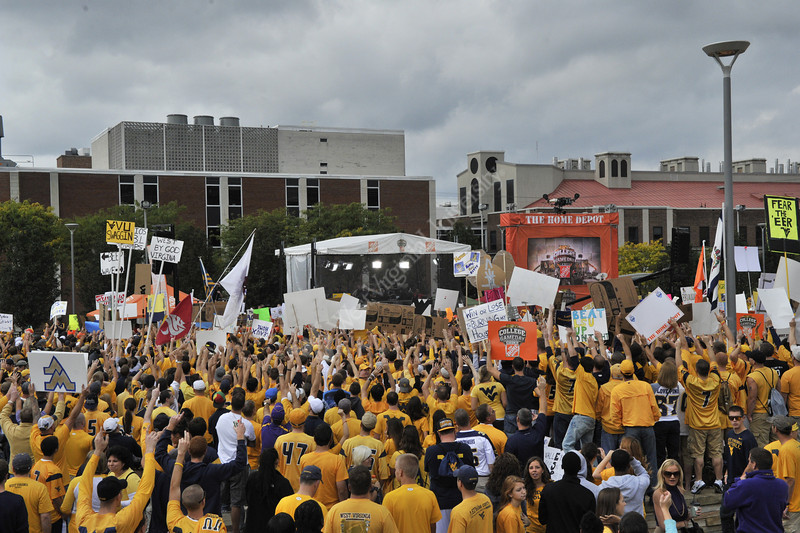 WVU students campout on the WVU Mountainlair common to reserve a space for  ESPN WVU vs LSU Gameday show live from the WVU downtown campus, September 2011. (WVU Photo/Greg Ellis)