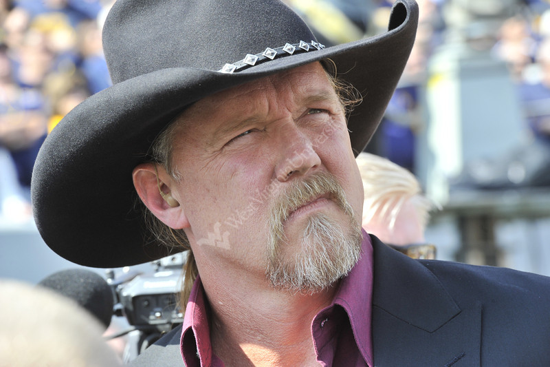 Trace Adkins performs the National Anthem at the WVU vs Baylor football game October 2012 (WVU Photo/Greg Ellis)