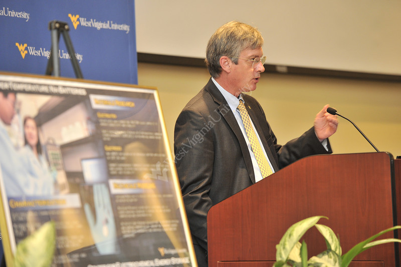 Center for Electrochemical Energy Storage lecture October 2012 (WVU Photo/Greg Ellis)