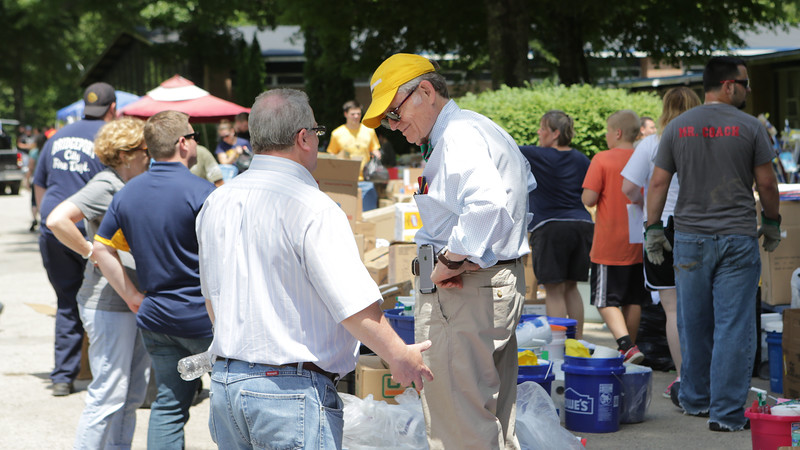 WVU President Gordon Gee traveled with a group of students to Clay County to deliver supplies to people affected by flooding.  Photo by Scott Lituchy / West Virginia University