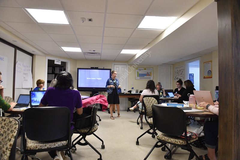 Jennifer Reaves leads a Computer Science Fundamentals Workshop at the WVUteach house July 12, 2018.  Photo Brian Persinger