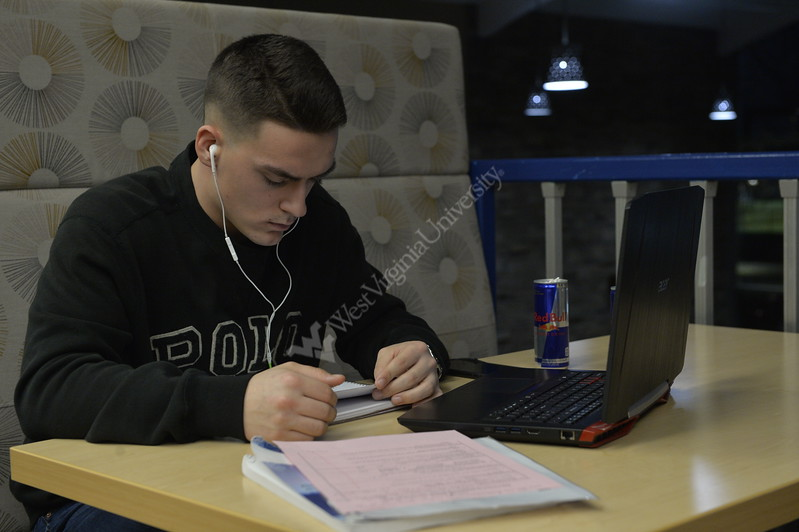 Engingeering students take the oppurtunity to do their homework during the Engineering LLC study hours March 1, 2018 in the second floor loungs of Brooks/Braxton Towers.