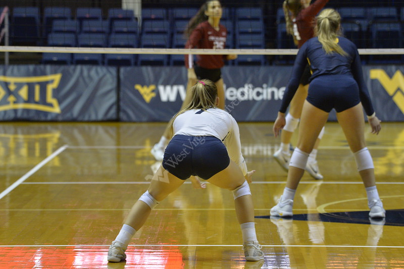 WVU Volleyball faced off against Oklahoma at the Coliseum on November 17, 2018.